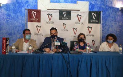 Firma Convenio V aniversario muerte Elio Antonio de Nebrija